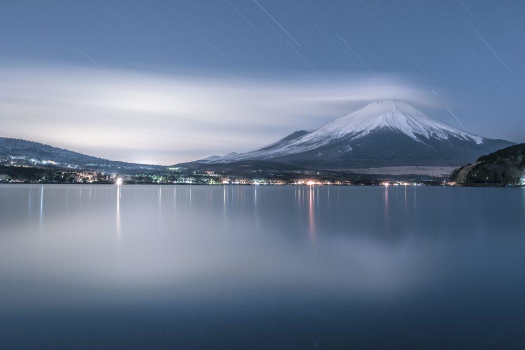 深夜の山中湖で撮った写真
